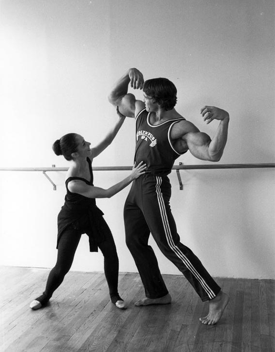 Arnold gets balletic posing lessons