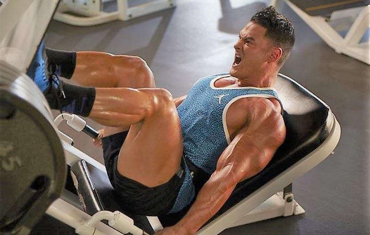 Jeremy Buendia trains legs