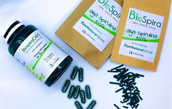 Pure spirulina capsules and sticks