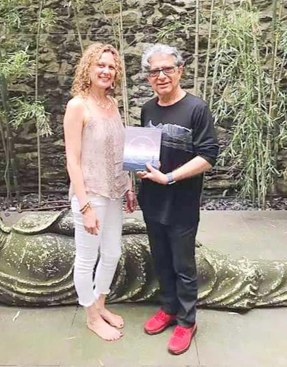 Deepak Chopra endorses Alexis book