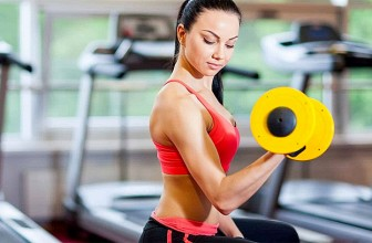 4 Reasons Why Women Should Lift Weights!